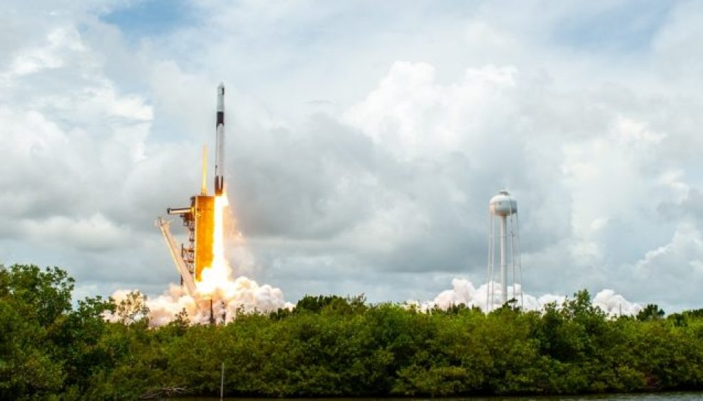 Start CRS 22 auf Falcon 9